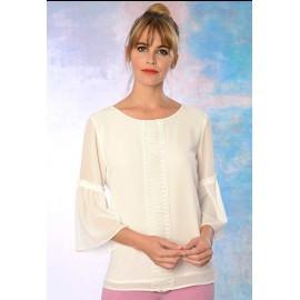 Blusa blanca de mujer con volantes